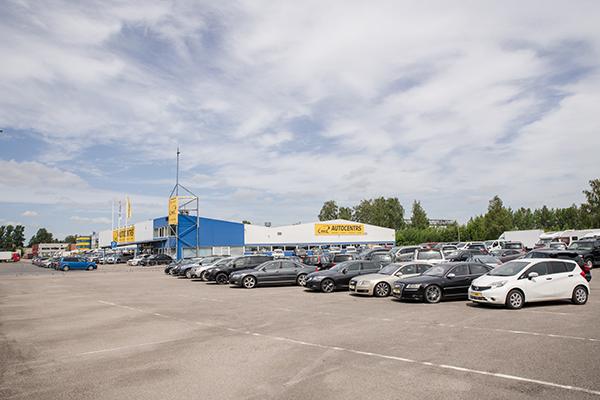 Mūsu uzņēmums ir uzkrājis gandrīz 20 gadu pieredzi automobiļu tirgū,  kā arī izveidojis profesionālu komandu, kas palielinās ar katru gadu.